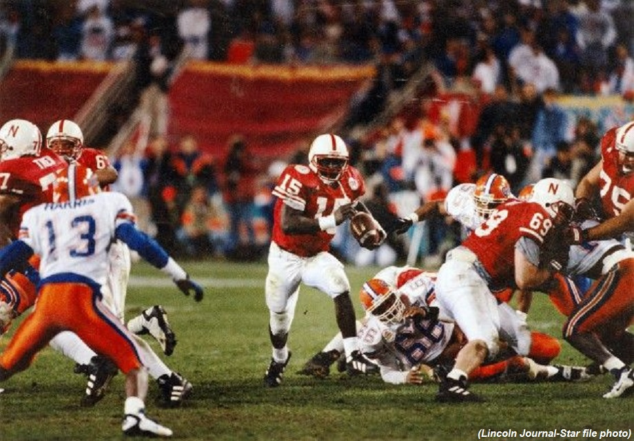 Nebraska huskers Florida Gators Tommie Frazier 1996 Fiesta Bowl option 101 the nebraska triple option inside the pylon