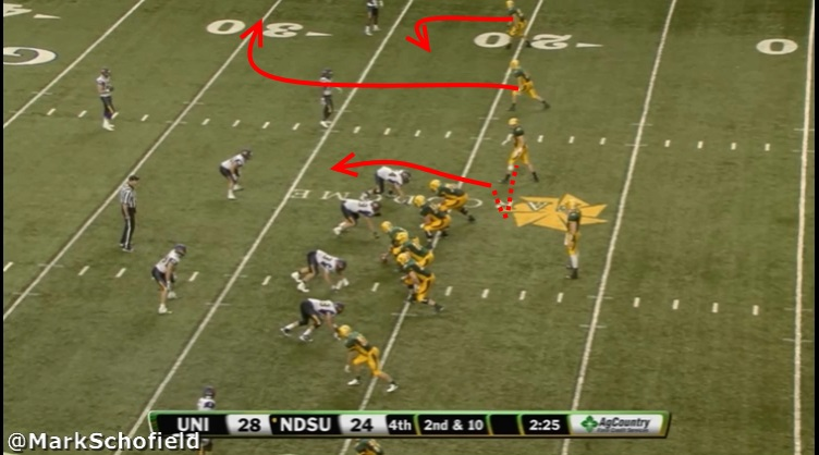 CFBReview6NDSUPlay1Still1