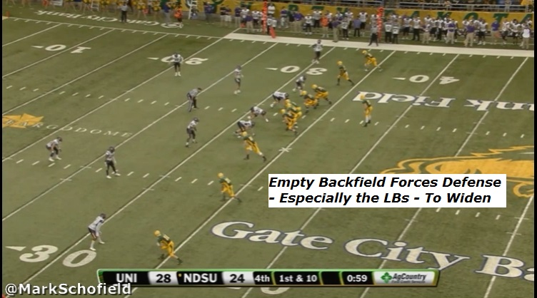 CFBReview6NDSUPlay8Still1