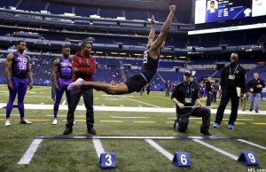 byron-jones-combine-jump