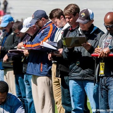 football-scouts-taking-notes-1