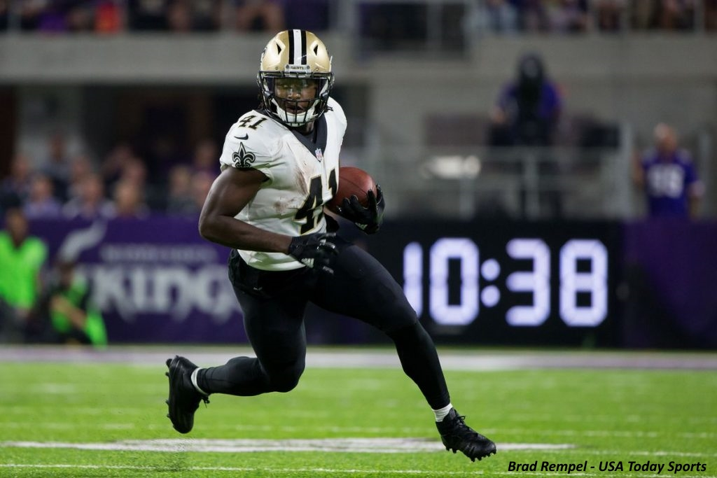 Alvin Kamara receives fine letter from National Football League for wearing holiday-themed cleats
